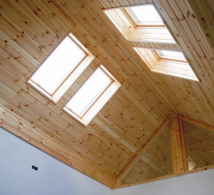 Igazi átrium helyett tehetünk tetőablakokat a Brahasztán leginkább középre eső részére