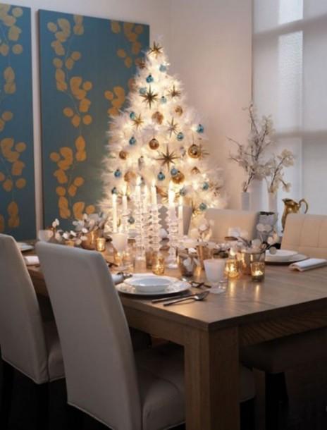 Modern étkező, ahol szépen kiegyenlítik egymást a hideg és a meleg színek.