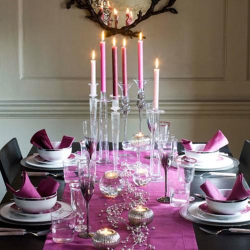Ez az étkező a lila terítő hatására meleg, ugyanakkor elegáns hangulatú