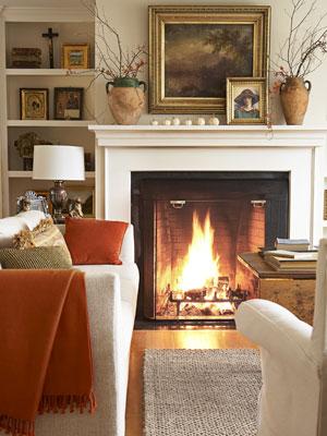 Lobogó tűz, meleg takaró. Más nem is kell egy téli estéhez. Remélem, ez a nappali délkeleten van...) forrás: countryliving.com