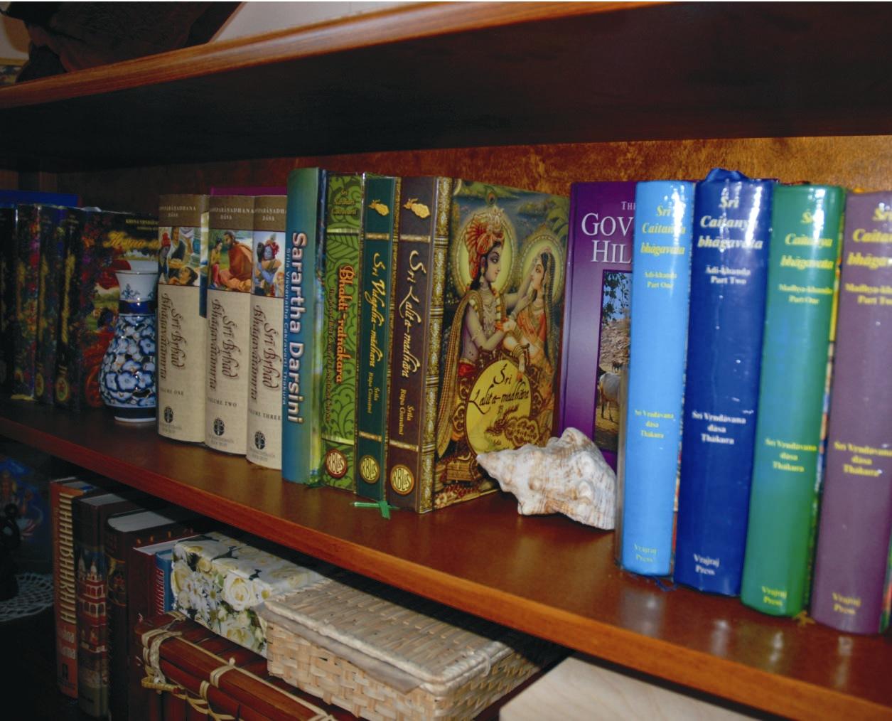 Tegyél egy próbát! Egyik reggel olvass a kedvenc - lehetőleg spirituális vagy tanító jellegű könyvedből, a másik reggel pedig olvasd el a híreket - a celebhíreket is beleértve! Vajon melyik napon fogok Magad jobban érezni?