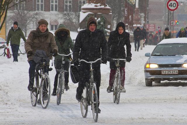 Nem számít, hogy tél van vagy nyár, a kerékpár népszerű közlekedési eszköz