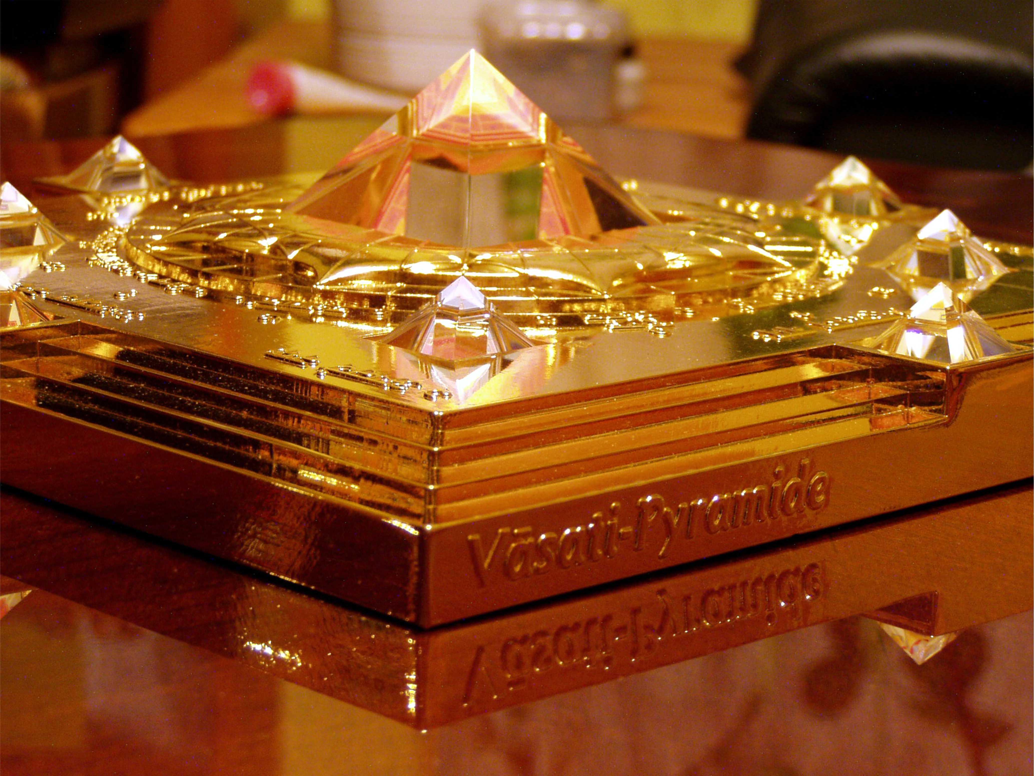 Ha nagyon zavaros a ház közepe és nem lehet átalakítani, a Vaszati piramis nyújt hatásos segítséget.