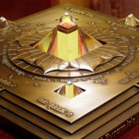 Bronz Vaszati piramis