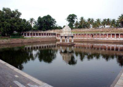 A legtöbb templomhoz tartozik egy nagy víztározó is.