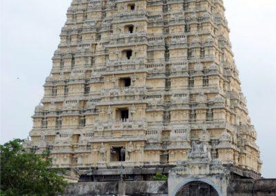 Ez Dél-India negyedik legmagasabb gopuramja.