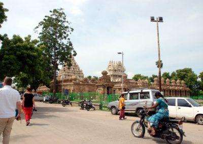 Megérkeztünk a Kailasanatha templomhoz.